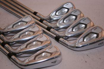 Titleist AP3 718 (4-GW, X-Stiff, Stahl, +2 inch, 4° upright, NEU) Eisensatz
